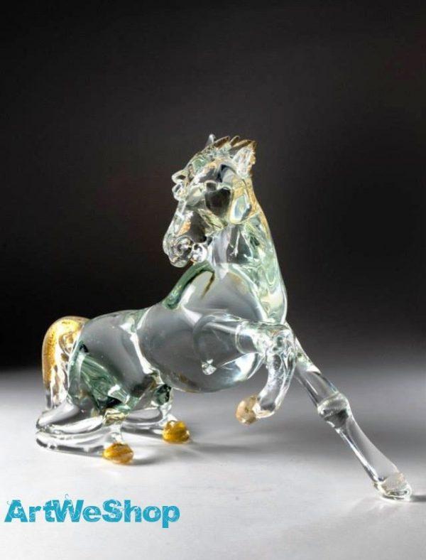 glass horse sculpture
